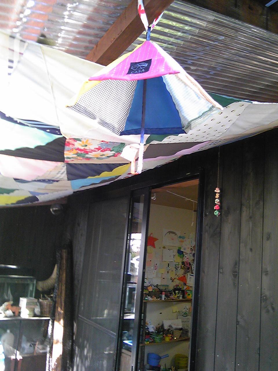 ちびっこペインターズで不用の傘集めます