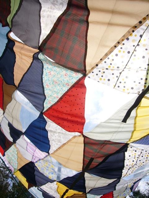 カラフル傘布のタープ